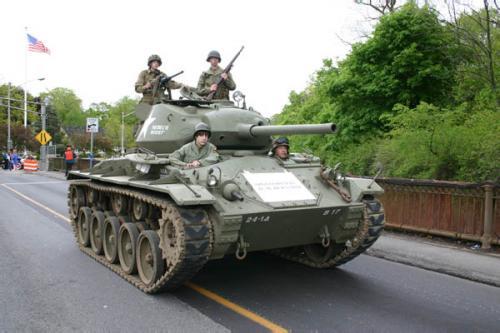 Sherman M4 tank 1945 2005